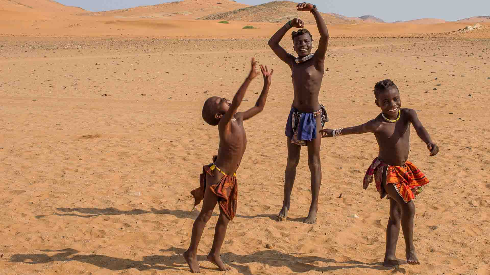 namibia-richard-denyer-himba-children
