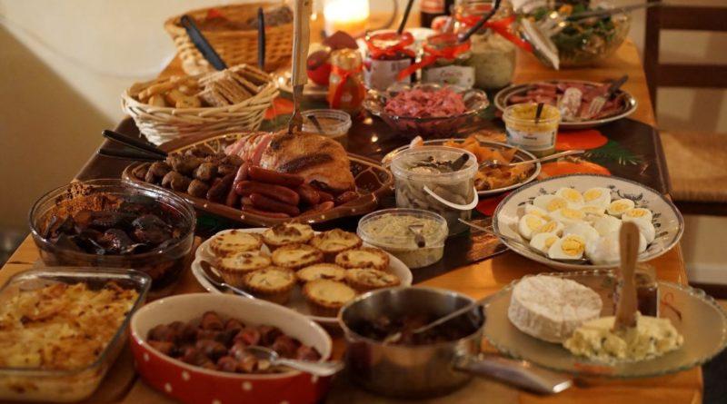 christmas-dinner-2428029_1920-1140x641-800x445