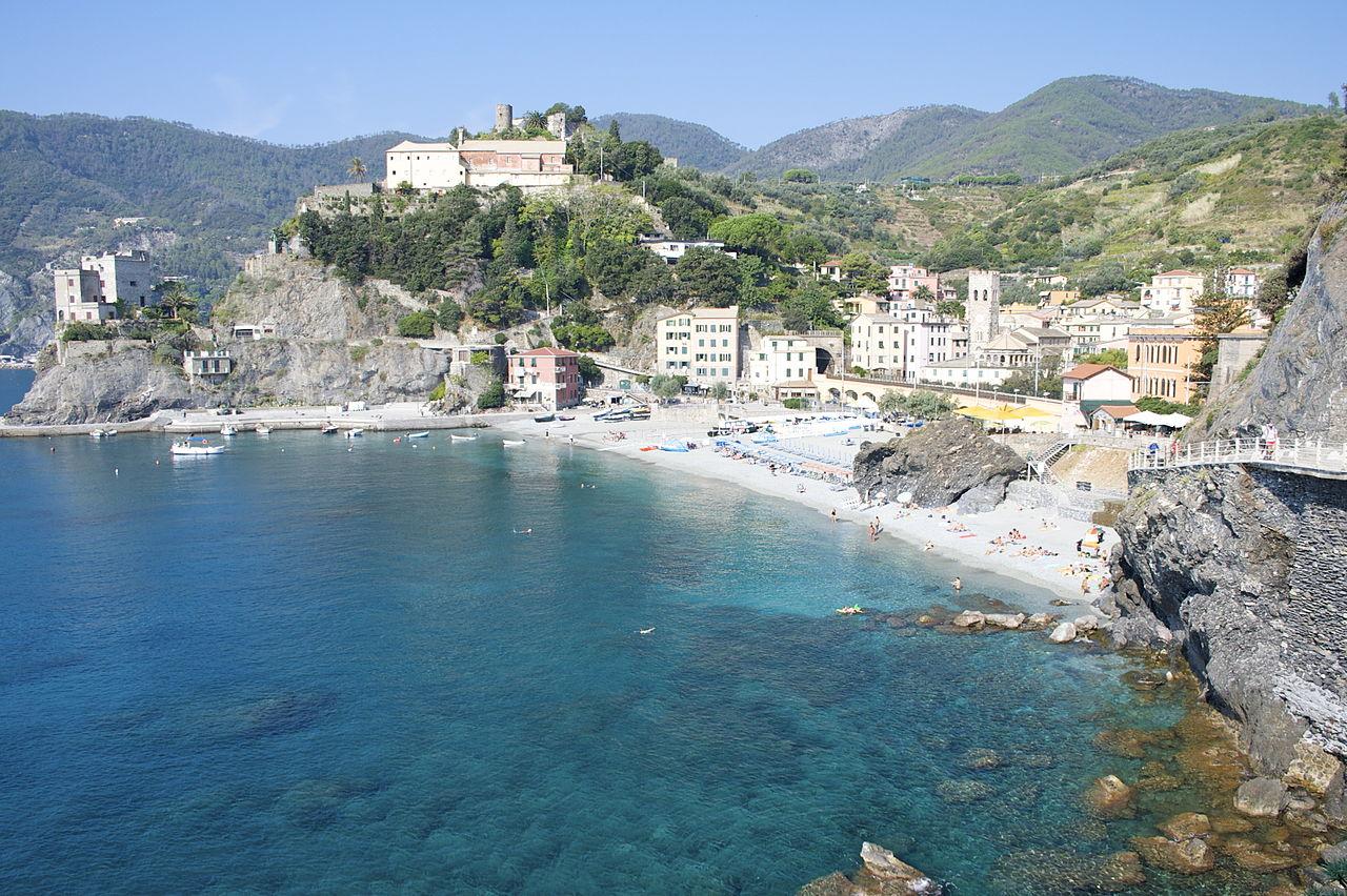 1280px-Monterosso_al_Mare-panorama-convento_dei_cappuccini2-flickr