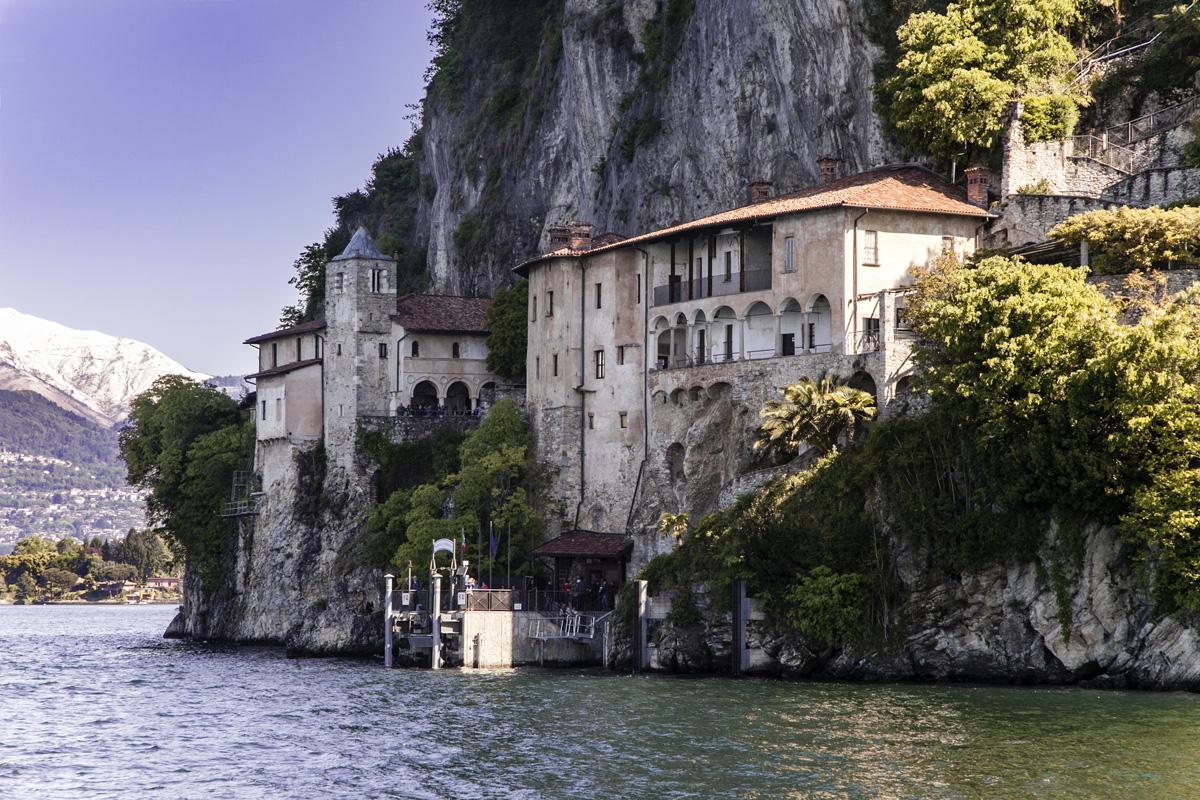 Eremo-di-Santa-Maria-del-Sasso-Ballaro-dal-Lago-Maggiore